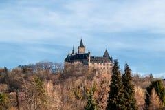 Замок на холме стоковая фотография rf