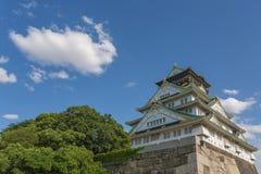Замок Осака в солнечном дне Стоковые Изображения RF