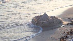 Замок песка на пляже акции видеоматериалы