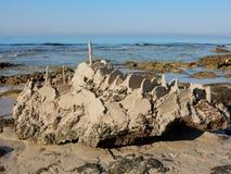 Замок песка на утесе Стоковая Фотография RF