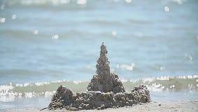 Замок песка около моря акции видеоматериалы