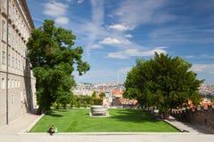Замок Праги и сад рая Стоковое Фото