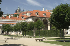 Замок Праги от сада Wallenstein Стоковое фото RF