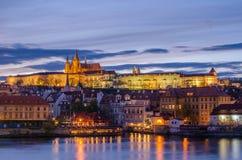 Замок Праги (чехии) и реки Влтавы Стоковые Изображения