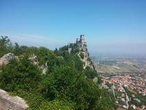 Замок Сан-Марино Италии стоковое фото