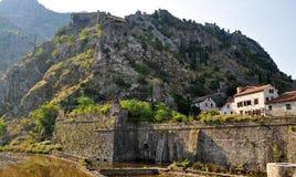 Замок Сан Giovannia увиденный от города стоковые изображения