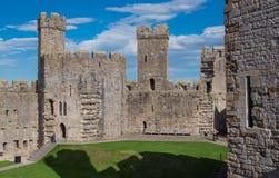 замок северный вэльс caernarfon стоковая фотография