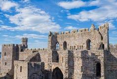 замок северный вэльс caernarfon стоковое изображение rf