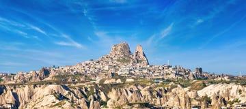 Замок утеса Uchisar в Cappadocia, провинции Nevsehir, Турции стоковая фотография rf