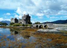 Замок Шотландия Eilean Donan, Великобритания стоковые изображения rf