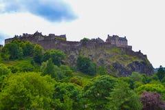 Замок Эдинбурга и принцы Улица Сад в Эдинбурге, Scotla стоковое изображение rf