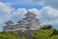 Замок Япония Himeji в цвете стоковая фотография