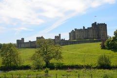 Замок, Alnwick, Англия Стоковое Изображение