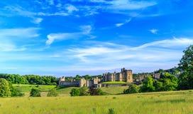 Замок Alnwick, Англия Стоковая Фотография