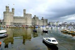 Замок Caernarfon стоковые фотографии rf