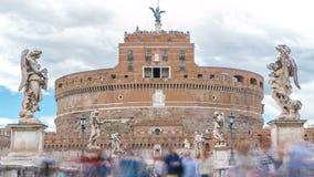 Замок Castel Sant Angelo и мост Ponte Sant Angelo над timelapse реки Тибра, Рим Анджела Святого, Италия акции видеоматериалы