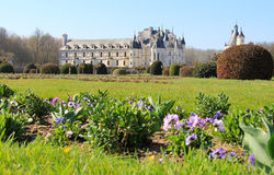 Замок Chenonceau и передний сад Стоковое Изображение