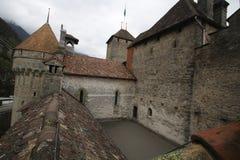 Замок Chillon на Швейцарии и чудесном озере, назначении перемещения на озере Geneve, старом историческом ориентир ориентире mediv Стоковые Изображения