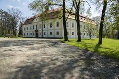 Замок Chotebor исторический с общественным парком во время времени весны стоковое изображение rf