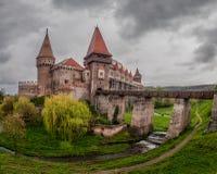 Замок Corvin Huniazilor от Hunedoara, Румынии Стоковая Фотография RF