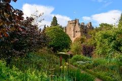 Замок Crathes в зоне Grampians северной Шотландии Стоковое Изображение