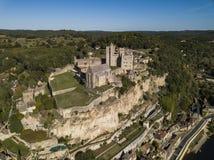 Замок de Beynac, вид с воздуха от реки Дордоня стоковое фото rf