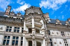 Замок de Blois. Часть известной винтовой лестницы стоковая фотография rf