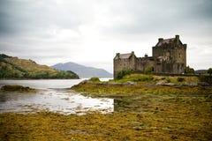 замок donan eilean Шотландия Стоковое Изображение RF