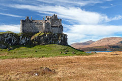 Замок Duart, остров обдумывает стоковая фотография rf