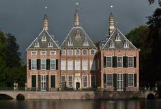 Замок Duivenvoorde в Voorschoten. Стоковое фото RF