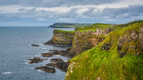 Замок Dunluce, графство антрим, Ирландия стоковое фото rf