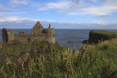 Замок Dunluce стоковые изображения rf