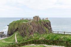 Замок Dunnottar в Stonehaven, Абердине, Шотландии, Великобритании Стоковая Фотография