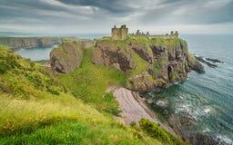 Замок Dunnottar, около Stonehaven, Шотландия Стоковое Изображение