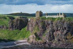 Замок Dunnottar - Stonehaven - Шотландия Стоковые Фотографии RF