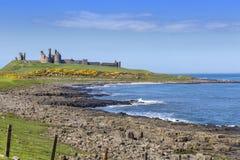 Замок Dunstanburgh Стоковое фото RF