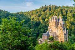Замок Eltz Burg в Rhineland-Palatinate, Германии стоковое фото rf