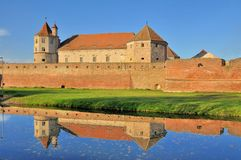 Замок Fagaras - средневековая крепость в Румынии стоковое фото rf