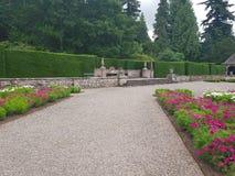 Замок Glamis - сады стоковое изображение
