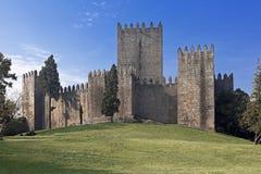 Замок Guimaraes, Португалия Стоковые Изображения RF