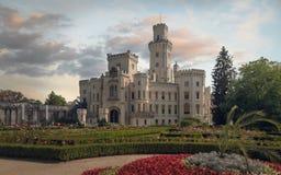 Замок Hluboka сказки в чехии стоковые изображения