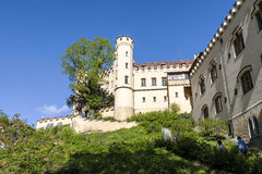 Замок Hohenschwangau и путь к нему Стоковая Фотография