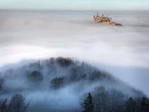 Замок Hohenzollern над облаками Стоковая Фотография