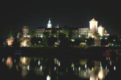 Замок Iluminated старый во время nighttime Стоковое фото RF