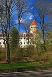 Замок Konopiste положения весной стоковые фотографии rf