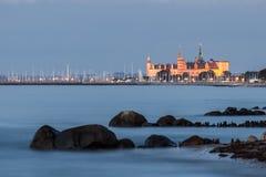 Замок Kronborg в голубом часе сумерк стоковое изображение rf