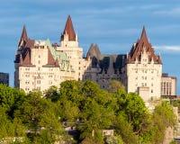 Замок Laurier Fairmont в Оттаве - Онтарио, Канаде стоковое фото