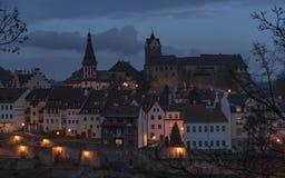 Замок Loket в темном утре стоковое фото
