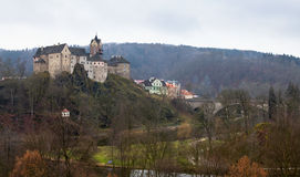 Замок Loket и чехия городища Стоковые Фото