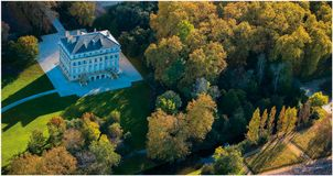 Замок Margaux, вид с воздуха, виноградник Бордо стоковое фото rf